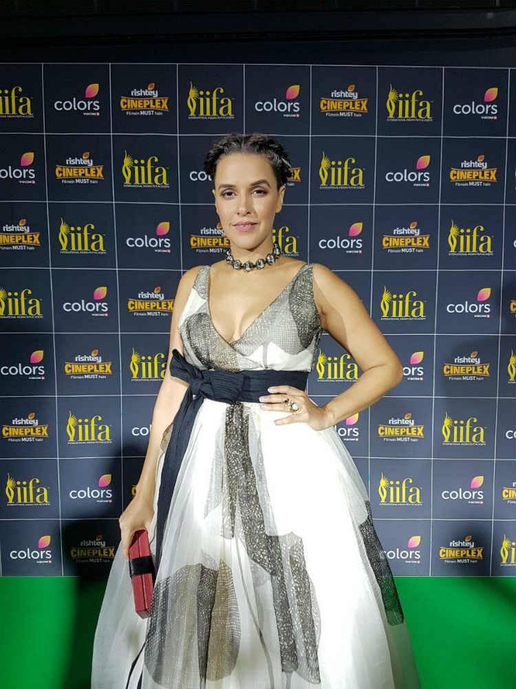 फेमिना मिस इंडिया २०१७ च्या सोहळ्याला नेहा धुपियाने उपस्थिती लावली होती.
